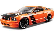 Maisto H-D Custom Harley Davidson 2006 Ford Mustang GT Orange w/ Custom Wheels