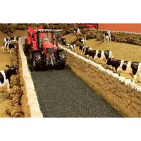 BRUSHWOOD BT2093 Country Lane - 1:32 Farm Toys