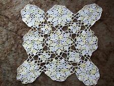 LEMON & WHITE HAND CROCHET VINTAGE TABLE MAT 1960s **GC**