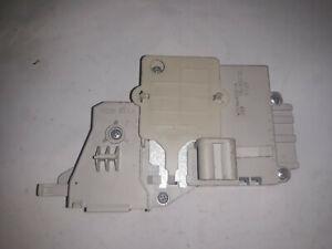 SECURITE DE PORTE AVEC CABLE Lave-linge whirlpool 481010474505 w10464112