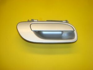 01 02 03 04 VOLVO S60 FRONT RIGHT PASSENGER OUTER EXTERIOR DOOR HANDLE SILVER OE