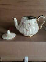JAMES SADLER MADE IN ENGLAND TRADITIONAL COLLECTION TEA POT.