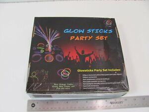 GLOWSTICKS PARTY SET 200 STICKS 4 GLASSES 4 BRACELET 200 CONNECTORS