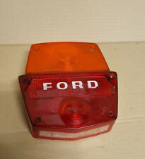 FEU ARRIERE FORD FOMOCO  CAMION UTILITAIRE ANCIEN a identifier