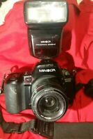MINOLTA MAXXUM 800SI 35mm SLR FILM CAMERA BODY w/ Minolta 3500xi Flash included