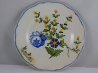ANCIENNE ASSIETTE EN FAIENCE NEVERS ? DECOR FLORAL DIAM 24CM     W353H