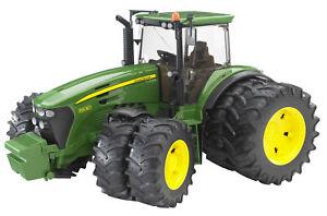 BRU3052 - Tractor John Deere 7930 To 8 Wheels Toy Bruder