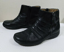 Clarks Black Soft Leather Ankle Boot Booties Ruched Side Zippers Rubber Sole 7M