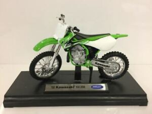 Kawasaki KX250 Green White 2002 1:18 Scale Welly 12169