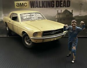 The Walking Dead 1/18 Scale 1967 Ford Mustang Coupe With Zombie Figure LAST ONE