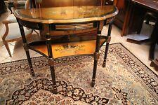 Console desserte à décor laqué sur fond doré Chine signé A. Morand 1907