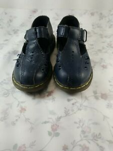 Dr. Martens  Shoes Toddler  Girls Size 8, great pre owned condition.