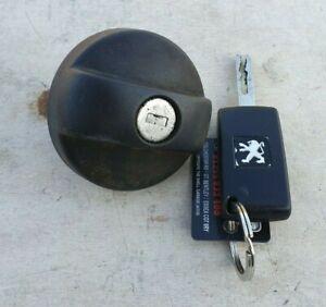 Peugeot 207 2007 Fuel Screw Cap with Key    ref D47