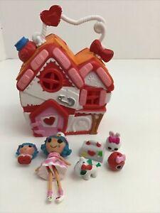 Lalaloopsy Tinies Series 1 Rosie's Pet Hospital Playset Doll Pet + Accessories
