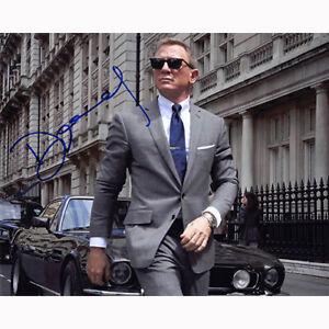 Daniel Craig - James Bond (84846) Authentic Autographed 8x10 + COA
