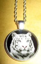 Halskette Anhänger Weisser Tiger Amulett Necklace