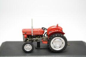 Massey Ferguson MF135 British Tractor Farm Vehicle 1965 Year 1:43 Scale HACHETTE