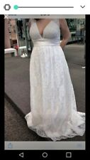 wedding dress size 14 ivory colored, lace perfect for summer wedding