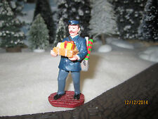 "TRAIN GARDEN VILLAGE HOUSE "" The POST/MAIL MAN ACCESSORY "" + DEPT 56/LEMAX info"