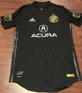 NEW MENS AUTHENTIC TEAM GAME #38 COLUMBUS CREW SC MLS ADIDAS JERSEY SIZE MED
