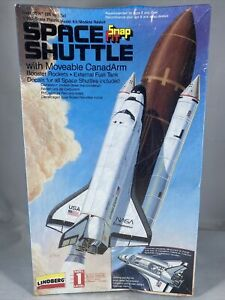 1995 Lindberg Snapfit Space Shuttle with Boosters 1:200 Scale Model Kit