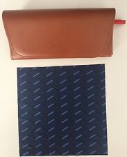 FOSSIL SUNGLASSES / GLASSES CASE MAGNETIC CLOSE WITH LENS CLEANING CLOTH - NEW-