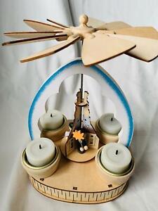 ELAMBIA Holzpyramide 4 Teelichthalter + LED-Kerzen ca.16x14,5x23cm blau h20