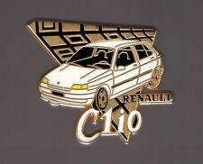 Pin's voiture / Clio Renault (signé Arthus Bertrand) - version blanche