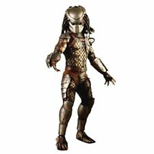 Hot Toys Predators Movie Masterpiece Classic Predator Collectible Figure