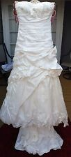 En Vogue Bridal Wedding Dress Style 4051 Size 4 Ivory White Silver Beads NEW