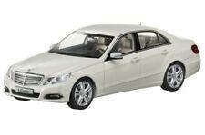 E Klasse W 212 Limousine ori Schuco® für Mercedes Miniatur Modell auto 1:43 weiß