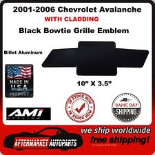 01-06 Chevrolet Avalanche WITH Cladding Black Bowtie Grille Emblem AMI 96163K