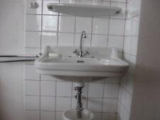 Waschbecken Alt Aus Keramik Und Vor 1960