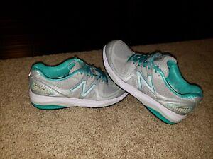 New Balance 1540 V2 Men's Gray and Aqua Blue Running Shoes - Size 7.5