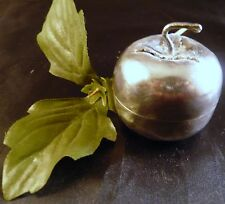 VINTAGE FINE SILVER UNIQUE APPLE  LEAF BINDI TEEKA COSMETIC  TRINKET PILL BOX
