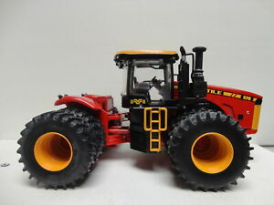 Ertl VERSATILE 4WD 570 Tractor RED & YELLOW 1/32 scale PRESTIGE Collection