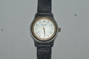 Vintage BILL BLASS 318-902. 105 Watch Quartz Ladies 25mm Swiss Parts Used Works