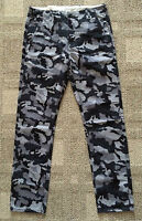 Levis Men's 31 X 30 Black & Gray Camouflage Chinos Casual Pants Regular Fit