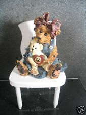 Boyds 2pc Momma Mcbear And Caledonia In Rocking Chair