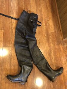 Crystal River Chest Waders Insulated long boot size 10 black Steel Shank