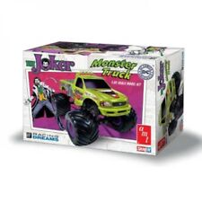 AMT Joker Monster Truck 1 32 Scale Snap Model Kit Amt941