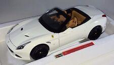 BBURAGO - 18-16904 - Signature Series Ferrari California haut ouvert - 1:18 -