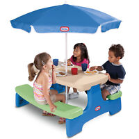 Little Tikes  Picnic Table with Umbrella 6 Kids  Indoor Outdoor Seat Portable