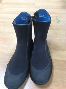 Sola wetsuit boots size 5