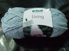 grundl Living Super Chunky Yarn with free pattern Shade 06
