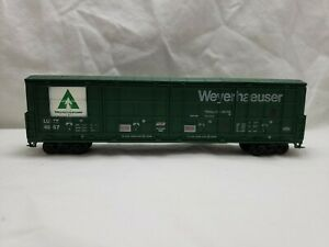Unmarked Weyerhaeuser #4687 HO Thrall Door Box Car, No Box, Assembled