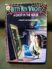 A Ghost in the House by Betty Ren Wright (1991, Permabound)