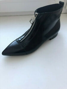 BURBERRY WOMEN BLACK LEATHER BOOTS model Boron 41