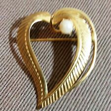inch Lapel Pin Scarf Pin Scatter Pin Heart Shaped Pin Gold-Toned Faux Pearl 1