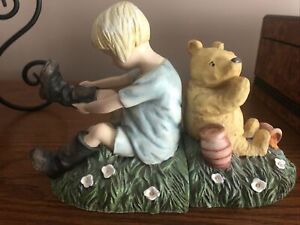 DISNEY Charpente Book Ends: Classic Winnie the Pooh & Christopher Robin Boots